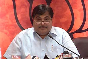 Cong govt behind CWG corruption, says Gadkari