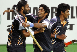 CWG: India beat England on penalties to reach hockey final
