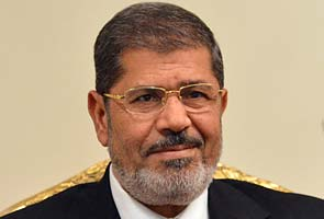 Mohamed Mursi draws fire with new Egypt decree