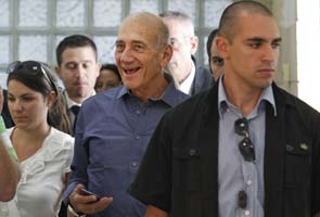 Former Israeli Prime Minister Olmert cleared in corruption case