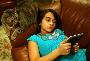 Digital tablets can improve reading of visually impaired - study
