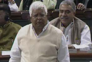 FDI debate: Why does Advani use Twitter, asks Lalu