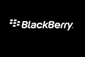 RIM's new woes seen speeding loss of BlackBerry users