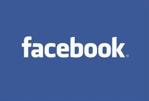 NYSE courts Facebook as lawsuits follow IPO mess