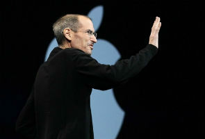Apple chooses Twitter over Facebook