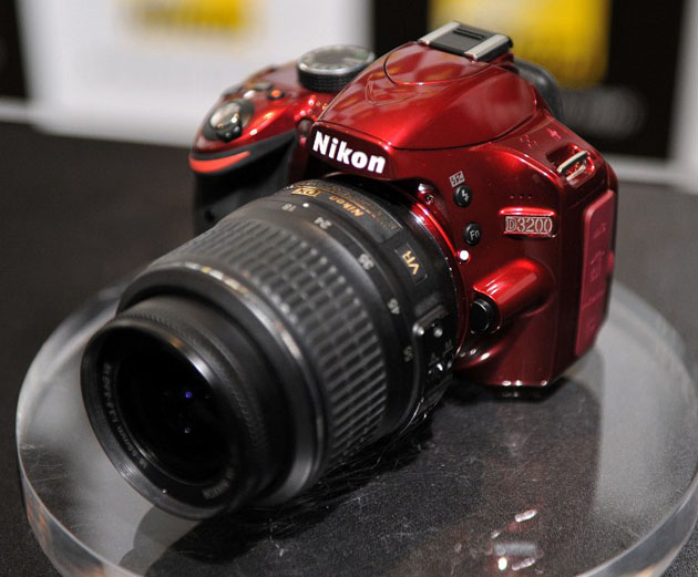 Nikon announces entry-level D3200 DSLR camera | Technology News