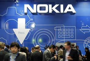 Nokia scraps new mass-market phone software - sources