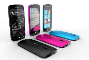 Nokia declares war in US smartphone market