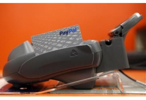 PayPal takes on Square in mobile payments