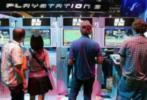 Hackers claim to have PlayStation users' card data