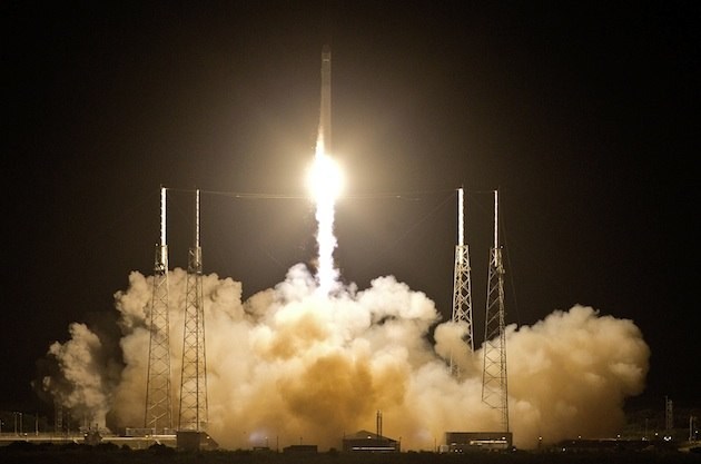 SpaceX brings reusable space rockets a step closer