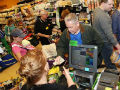 'Cash Mobs' gather to splurge in locally owned stores