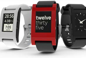 Pebble wristwatches will display information from iPhones
