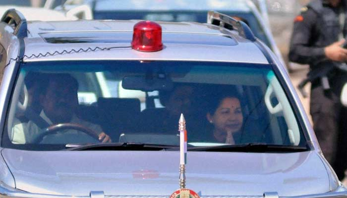 Jayalalithaa First Chief Minister to Lose Post in Corruption Case