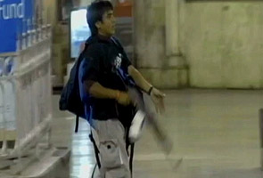 Kasab can't meet lawyers alone, rules court