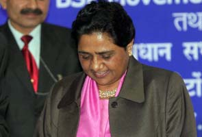 Mayawati blames Congress for 'poor turning to Naxalism'