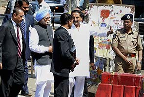 Hyderabad blasts: PM meets injured, says 'I share your pain and grief'