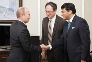 Russian president Putin meets chess king Viswanathan Anand for tea