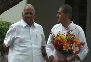 By skipping PM's dinner, Sharad Pawar hints at external support; NCP leaders meet in Delhi