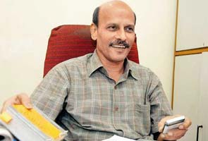 Mumbai 26/11 cop quits police force