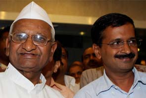 No Anna Hazare on banners? Arvind Kejriwal says will carry photo in his heart