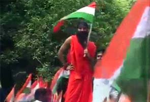 Delhi Police arrests Baba Ramdev, stops his march towards Parliament