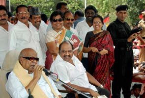 Karunanidhi takes on Delhi over Sri Lanka