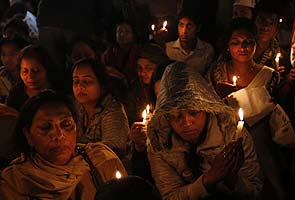 Delhi gang-rape case: young woman dies in Singapore hospital, India grieves