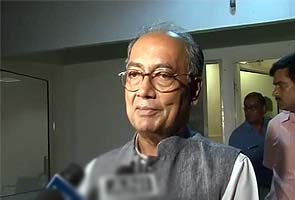 Digvijaya Singh summoned in defamation case by Nitin Gadkari