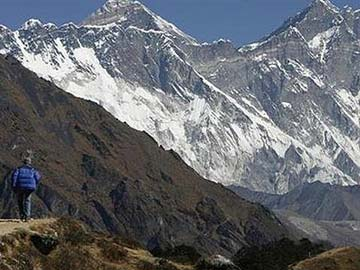 Six killed in Everest avalanche: mountaineering official