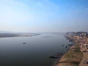 """The Supreme Court suggested that Clean Ganga project needs """"an expert"""