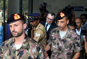Italian marines surrender passport in trial court