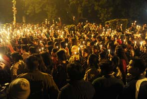 Thousands of candles and prayers at sunset for 'India's Daughter'