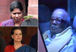 Karunanidhi meets Kanimozhi in Tihar Jail - NDTV News