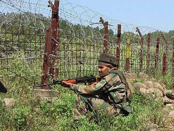 Pakistani Troops Attack 35 BSF Posts on International Border