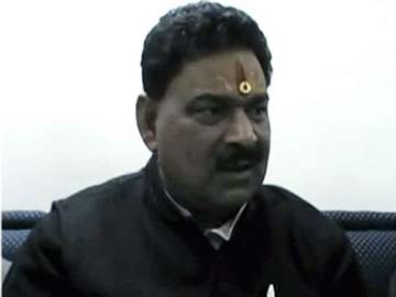 'People die in palaces too,' says UP minister on deaths in Muzaffarnagar relief camps