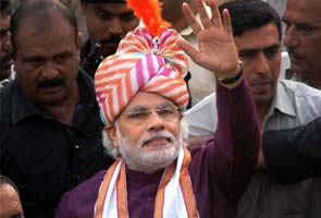 Rs 1800 crores spent on Sonia Gandhi's foreign trips, claims Narendra Modi; wrong, says Congress