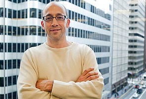 Shift at the top of Twitter as a founder steps aside