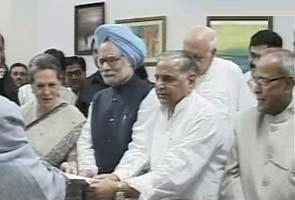 Pranab Mukherjee files nomination for President polls, seeks blessings - heavenly & political