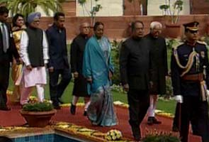 Pranab-mukherjee-goes-to-parliament-295x200.jpg