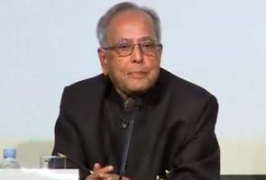 Pranab's meeting on Bengal finances could impact his odds for President