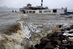 Superstorm Sandy: Manhattan flooded by record storm surge