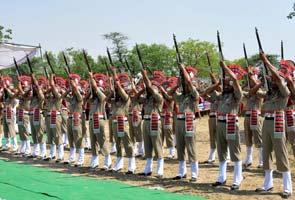 Sarabjit_Singh_funeral_gun_salute_295x200.jpg