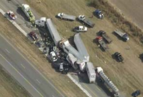 2 dead, many injured after at least 140 vehicles collide on US highway in dense fog