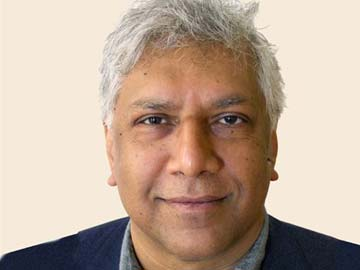 India-born poet Vijay Seshadri wins 2014 Pulitzer Prize