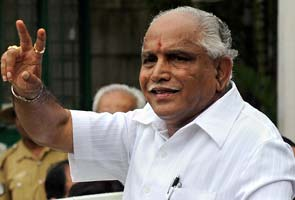 Karnataka crisis: Yeddyurappa loyalists demand change of chief minister, threaten to quit
