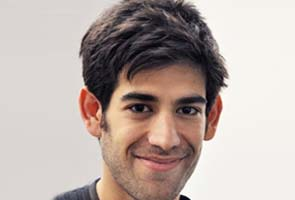 After suicide, Feds dismiss charges against Aaron Swartz