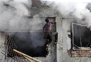 bangladesh_factory_jan_26_fire2_295.jpg