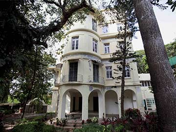 Homi Bhabha's Mumbai Bungalow Sold for Rs 372 Crore