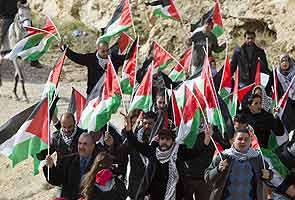 israel_evacuates_palestine_protests2_295.jpg